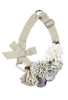Sportmax Beige Val Leather Corsage Necklace (226,80€)