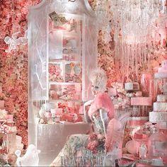 @Jane Izard Bergstrom Goodman incredible window display...valentine's day #oneofmyfavorites #beautiful #pink #wedding #inspiration #sweets #cake #flowers #prettyblooms #chandelier #crystals #holiday #store #windowdisplay #lovenyc #creative #design #christmas #fashion #holidaydecor #holidaywindows #bgwindows #bergdorfgoodman #amustsee #nyc http://instagram.com/zoriedesign www.zorie.com