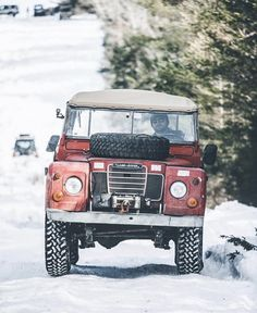 Land Rover (Series & Defenders) and more stuff I like. Landrover Defender, Land Rovers, Land Rover Models, Land Rover Series 3, Land Rover Freelander, Range Rover Classic, Expedition Vehicle, Land Rover Discovery, Jeep 4x4