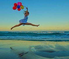 Beach jump balloons photoshoot inspiration