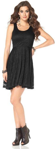 Hübsches #Kleid von #Laura #Scott. Ganz aus #Spitze! Die Kombination aus figurbetonendem #Oberteil mit ausgestelltem #Rockteil lässt das #Dress zum #Eyecatcher werden! ♥ ab 49,99 €