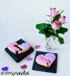 Puzzle Heart Cookies for Valentine's Day - simonacallas Plastic Foil, Gel Food Coloring, Sifted Flour, Heart Cookies, Special Recipes, Desert Recipes, Puzzle Heart, Be My Valentine, Royal Icing