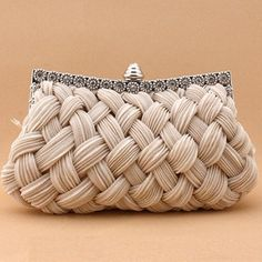 Pretty nude clutch