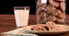 Découvrez cette recette de Biscuits écossais pour 4 personnes, vous adorerez! Biscuits, Glass Of Milk, Cookies, Desserts, Food La, Arms, Tv, Coat, Flat Cakes