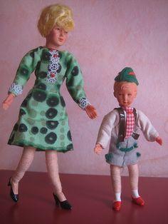 boy in peasant dress Dollhouse Family, Dollhouse Dolls, Doll House People, Handmade Toys, Antique Dolls, Harajuku, Doll Houses, Retro, Celebrities
