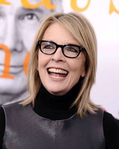 Celebrities Who Are Aging Gracefully ~ Diane Keaton: The actress told that with age has come more clarity and focus -- attributes she said she didn't necessarily have i. Diane Keaton, 50 Y Fabuloso, Divas, Fashion Over Fifty, Ageless Beauty, Belleza Natural, Aging Gracefully, Celebs, Celebrities