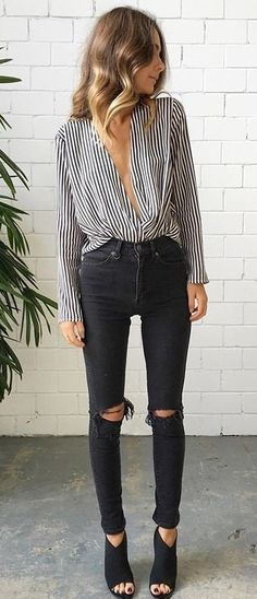 summer outfits Striped Blouse + Black Destroyed Skinny Jeans