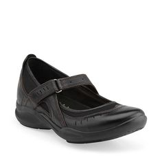 Wave.Cruise in Black Leather - Womens Shoes from Clarks   I love these shoes!!! So comfy!