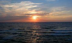 """10 #spiagge da non perdere in Italia --> #Sardegna - Sanata Teresa di Gallura: Regina di sole, di mare e di vento, dove volano i falchi, nuotano le cernie, sussurrano i mirti [piena di tante calette come """"Cala Bianca"""", la """"Marmorata"""" e la """"Rena Majore""""] --> http://www.allyoucanitaly.it/blog/10-spiagge-da-non-perdere-in-Italia cc @Visit Sardinia"""