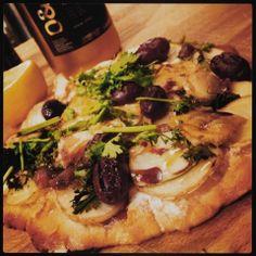 Mine matskriblerier: Hvit pizza med råstekt potet og chevre