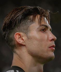 With Daily IPTV you can watch more than live channels and VOD ! Cristiano Ronaldo Haircut, Cristiano Ronaldo Manchester, Cristiano Ronaldo Cr7, Neymar, Messi Vs, Lionel Messi, Cristiano Ronaldo Wallpapers, Cristano Ronaldo, Moda Masculina