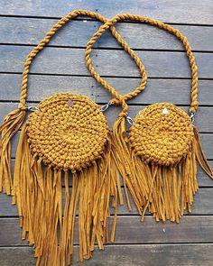 Круглые связанные крючком сумки