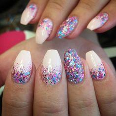 birthday nails - Multi Glitter Gel Manicure for Glitter Nail Design Idea - Manicure Gel, Diy Nails, Cute Nails, Glitter Manicure, Manicure Simple, Gel Manicure Designs, Glitter Eyeshadow, Manicures, Gel Nagel Design
