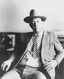 Texas Ranger Frank Hamer led the six-person ambush that brought an end to Bonnie and Clyde's crime spree. Read the story from the Voice of the South, PorterBriggs.com