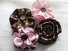ribbon flower tutorial from Sweet Magnolia Way blogspot