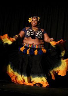 CrystalZ of Tamarind Tribal. (plus size belly dance ♥)
