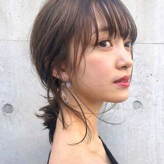 You can make short and cute bobs, and you can make an arrangement with a hair clipper . Short Hair With Layers, Short Hair Cuts, Short Hair Styles, Hair Inspo, Hair Inspiration, Hair Arrange, Hair Setting, Work Hairstyles, Hair Skin Nails
