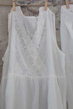 데이지하우스에 오신 것을 환영합니다! Boho Fashion, Vintage Fashion, Fashion Outfits, Unique Dresses, Vintage Dresses, Linens And Lace, Types Of Dresses, Petite Dresses, Outfit Summer