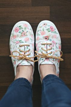 DIY: iron-on floral shoes