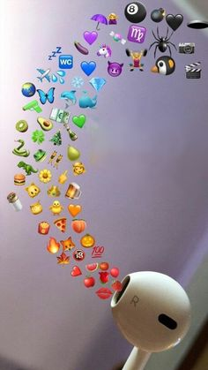 Pin by Nayllaraini_ on Wallpaper emoji in 2019 Emoji Wallpaper Iphone, Cute Emoji Wallpaper, Rainbow Wallpaper, Cute Disney Wallpaper, Iphone Background Wallpaper, Background Images, Wallpaper Samsung, Perfect Wallpaper, Iphone Backgrounds