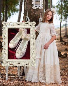 marita-rial-zapatos-de-comunion-corte-flamenco-zapatos-exclusivos-para-niñas-baletas-de-comunion-manoletitas-sabrinas.jpg