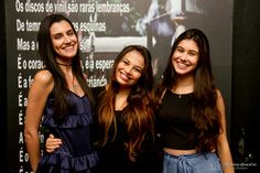 Bruna e as irmãs, Carol e Laura Lima.
