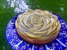 BakerAnu: Teellä maustettu Omenajuustokakku Pie, Desserts, Food, Torte, Tailgate Desserts, Cake, Deserts, Fruit Cakes, Essen