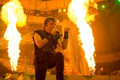 Uma declaração no site oficial do Iron Maiden, pegou muita gente de surpresa, nele é informado que o vocalista Bruce Dickinson passou por um tratamento para retirar um tumor na parte de trás de sua língua. Em dezembro do ano passado Dickinson se submeteu a exames de saúde rotineiros, quando foi diagnosticado um câncer na…