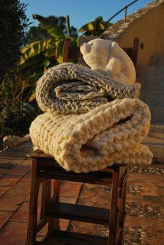 Big knit Plaid mesh 100% alpaca of the Peru by AlzinaDouceur