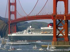 The Queen Mary II under the Golden Gate