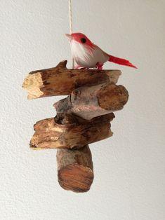 55456772f98 Závěsná dřevěná dekorace s ptáčkem   Zboží prodejce ELA P
