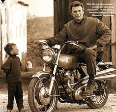 Photo of Clint Eastwood on a Norton Commando 750 S | Motorcycle Blog of Leatherup.com