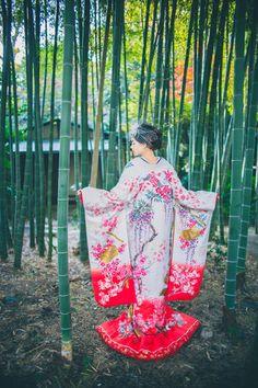 一巻きの絵巻物を見る様な柄ゆきがより華やかな友禅 ♡花嫁衣装 色打掛 ピンクの参考一覧♡