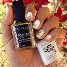 We ❤ this manicure from fan Lizbeth A. featuring our Dazzlers Top Coat in Glitzy Gold and Gel Finish 7-in-1 Nail Enamel in Iceberg White!