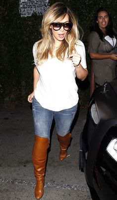 Kim Kardashian in skinny jeans on Oct 12,   2013