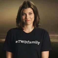 Pay the woman. The Walking Dead Español, Walking Dead Zombies, Lauren Cohan, Glenn Y Maggie, Top Tv Shows, Maggie Greene, Stuff And Thangs, Daryl Dixon, Best Shows Ever