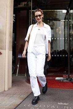 15 vezes que Bella Hadid usou looks fáceis de copiar (valeu, musa! Bella Hadid Outfits, Bella Hadid Style, Jorja Smith, Shorts Jeans, Star Fashion, Paris Fashion, Street Fashion, Women's Fashion, Street Style