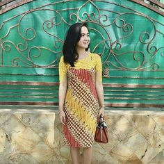 Dress Dress Brukat, Kebaya Dress, Dress Pesta, Model Dress Batik, Batik Dress, Batik Blazer, Blouse Batik, Dress Batik Kombinasi, Mode Batik