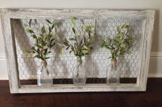 Wall art: old window frame, chicken wire, old bottles and greenery {wine glass w. - Dekoration Trends Site Wall art: old window frame, chicken wire, old bottles and greenery {wine glass w… Window Frame Decor, Old Window Frames, Old Window Ideas, Rustic Window Frame, Old Window Art, Windows Decor, Window Panes, Decorating Old Windows, Rustic Window Decor
