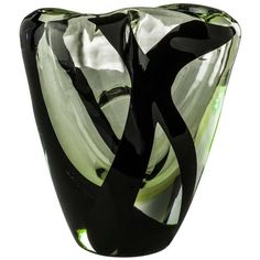 Medium Otto Vase From The Black Belt Collection By Peter Marino &... (20.085 HRK) ❤ liked on Polyvore featuring home, home decor, vases, black, colored vases, black home accessories, art glass vase, onyx vase and coloured vases