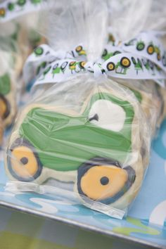 Tractor themed birthday party ideas! Perfect for John Deere lovers