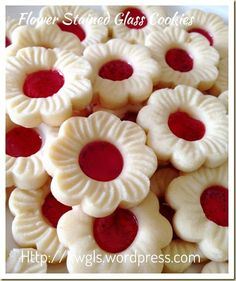 Cherry Blossom Stained Glass Cookies (樱花玻璃曲奇)- Posted on January 19, 2015 by Kenneth Goh