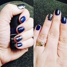 Jamberry Trushine manicure - This is Beta with Gold Floral on my accent nails.  Lorraine Hauger Instagram lorrainehauger  #jamberry #trushine #beta #goldfloral #betajn #goldfloraljn