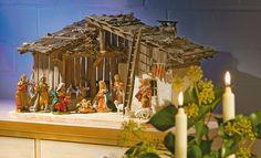 Wir haben die Bauanleitung für eine Alpenländische Krippe. #Advent #Weihnachten #Christmas #Xmas Nativity, Creations, Christmas Decorations, Xmas, Carving, Seasons, Advent, Diy, Crafts