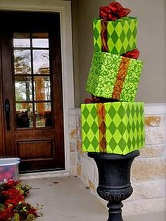 10 Unique Ways to Decorate Your Front Door For the Holidays:  From DIYNetwork.com from DIYnetwork.com