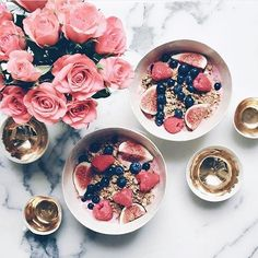 Grab your breakfast but make sure you grab sth from #flashsaletuesday too! #morning gorgeous ladies sending lots of love  #breakfast #figs