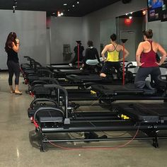 Did you end your #humpday with a mega work out? That's how to be #megawsome  #coreplusfitness #lagree #oc #orangecounty #megaformer #lagreefitness #gymlife #workoutdone #fitfam #personaltrainer #lagreefitnessinstructor #fitness #fitnesslifestyle #fitspo #fit
