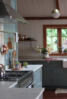 Pastel Colors in a Long Island Home Designed by Jersey Ice Cream Co- The Nordroom Farmhouse Remodel, Kitchen Remodel, Cabana, Home Decor Kitchen, Kitchen Dining, Gravity Home, Ranch Kitchen, Cottage Kitchens, Farmhouse Kitchens