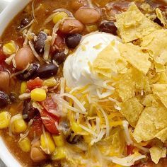 7 can chicken taco soup is the easiest dinner ever! Dump 7 cans into a pot plus some seasonings and that's it! Top with cheese, chips, and sour cream. Can Soup Recipe, 7 Can Soup, Soup Recipes, Chicken Recipes, Cooking Recipes, Recipies, Chicken Taco Soup, Canned Chicken, Chicken Tacos