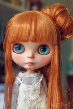 Muñeca por siempre!!!!  Check the online directory for Blythe doll customizers at http://www.dollycustom.com
